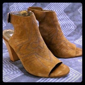 Cynthia Vincent Cognac Suede Sandals US7